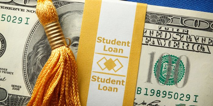 How Parents Can Help Their Children Pay Off Student Loans