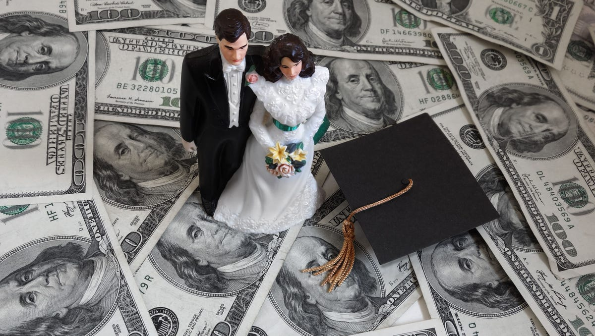 5 ways marriage affects your student loans