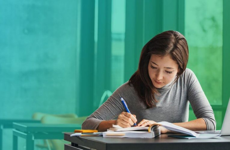 How to Get the Best Student Loan Interest Rates