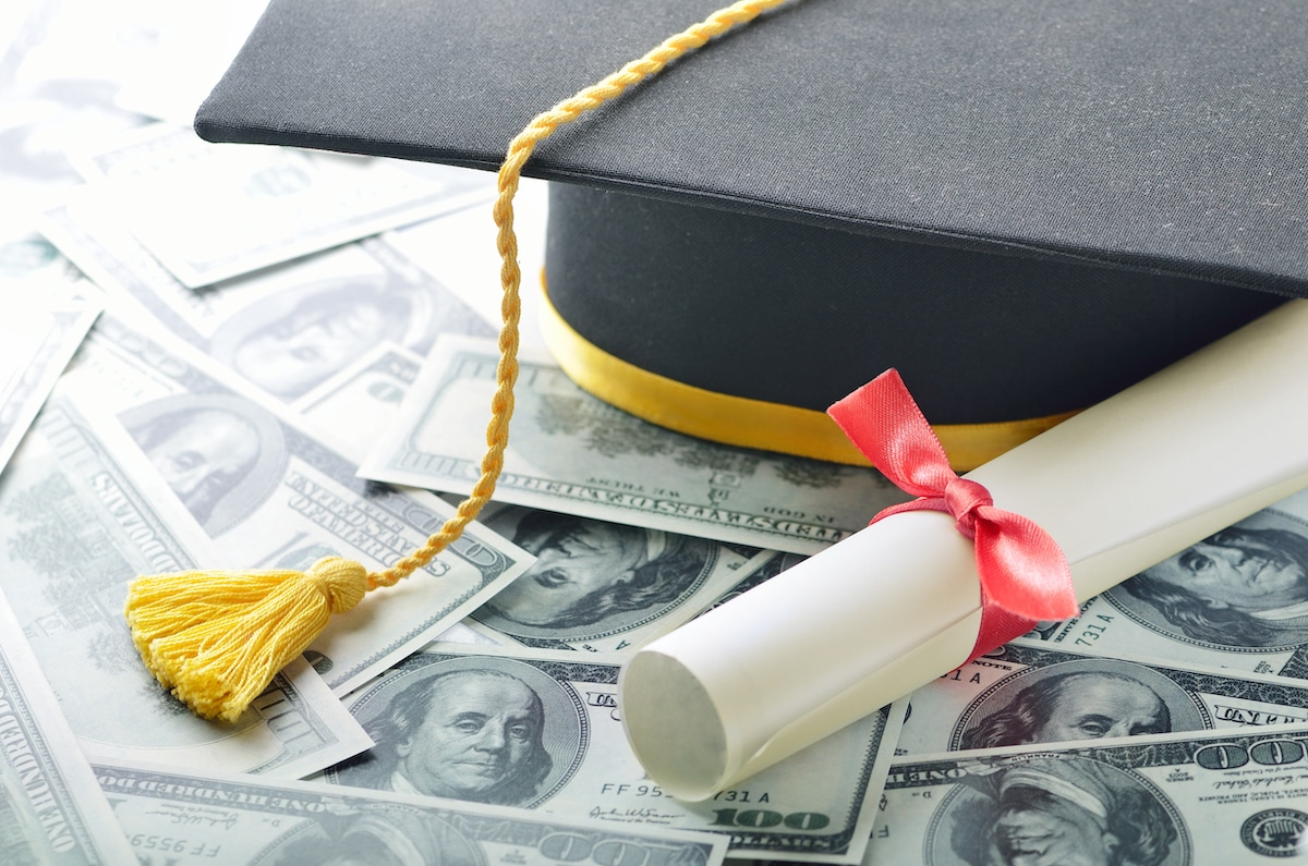 8 Best Student Loans for 2020 [Updated]
