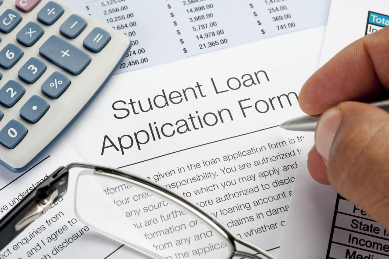 Should I Pay My Federal Student Loan With a Credit Card?