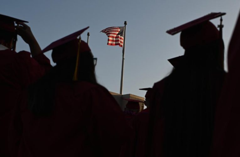 Student loans: 9 million debtors are getting a brand new servicer. Here's why